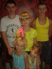 Многодетная семья нуждается в помощи из г.Геническ