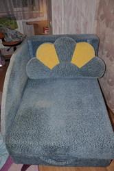 Продам диван Малютка в хорошем состоянии